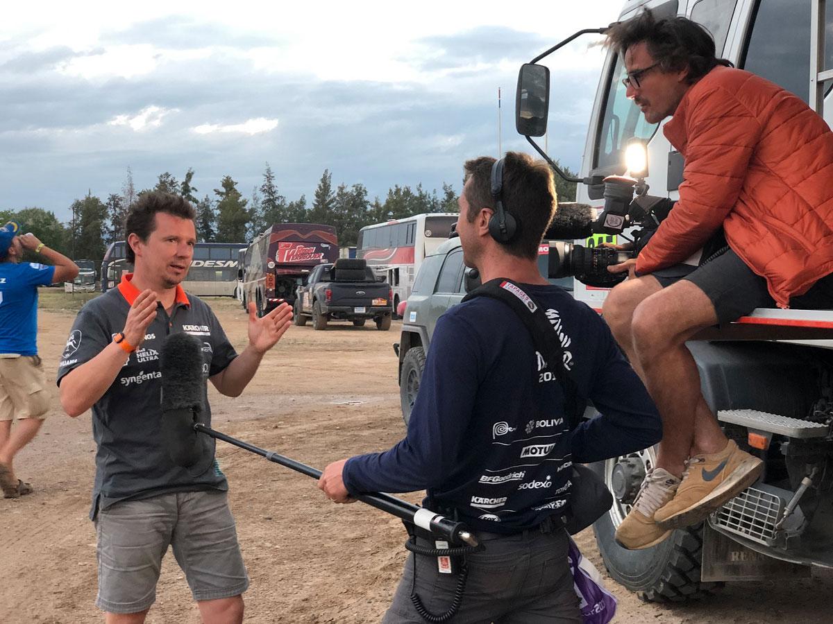 A. Juknevičius duoda interviu Dakaro ralio organizatoriams