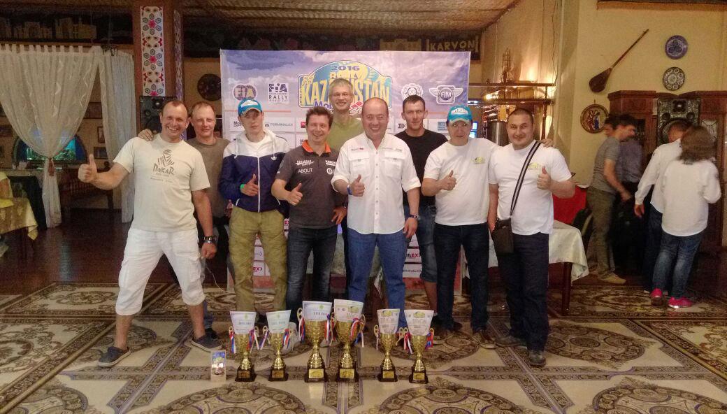 Kazachstano ralyje – vietinio lenktynininko pergalė, A. Juknevičius – pirmas standartinių bolidų klasėje