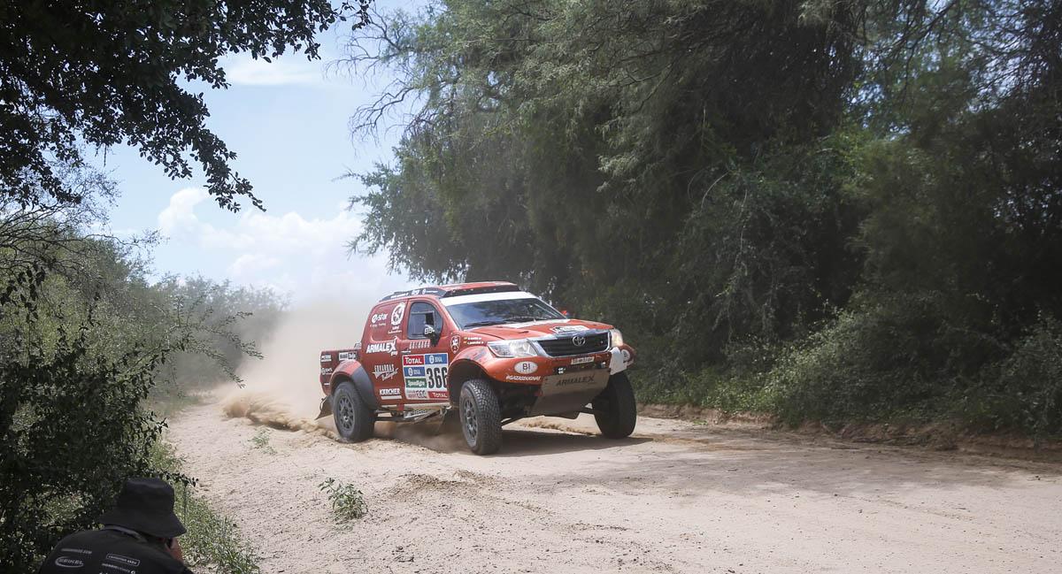 Į klasikinio ralio trasas grįžusiame 12-ame Dakaro ralio etape – A. Juknevičiaus stabilumas