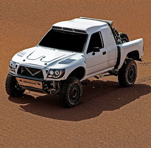 Žalvaris-Dakar team pristatė savo automobilį