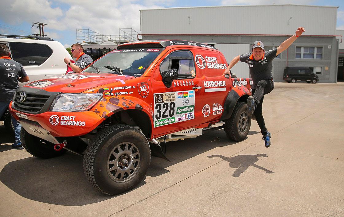 Pirmieji lietuviai Argentinoje atsiėmė Dakaro ralio techniką