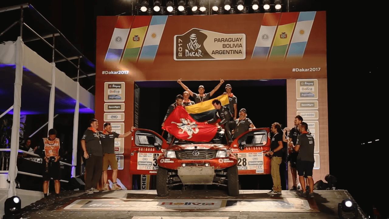 Antanas Juknevičius ir Darius Vaičiulis ant Dakaro finišo podiumo