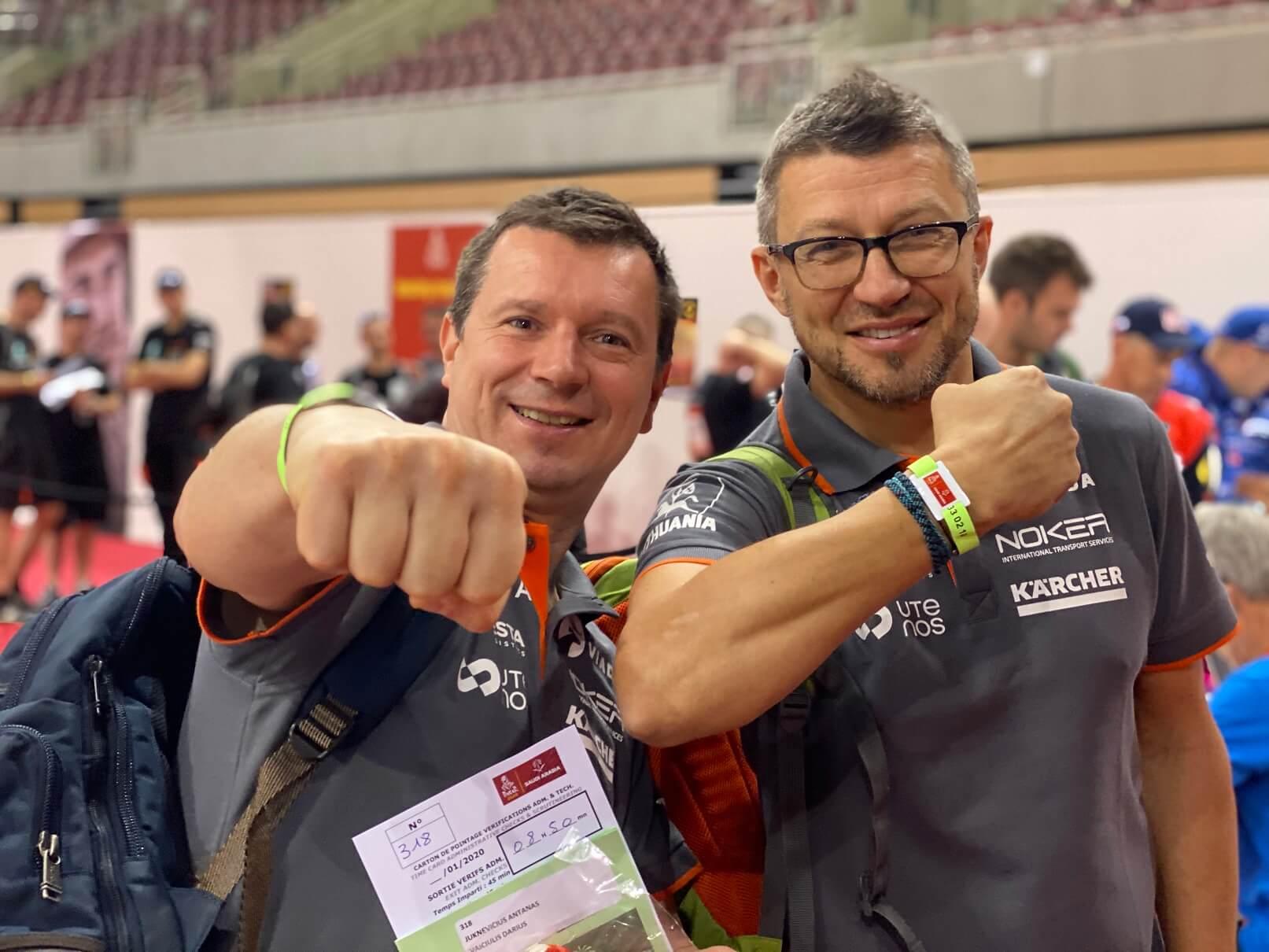 Visus formalumus prieš startą įveikęs A.Juknevičius pristatė Dakaro naujovę