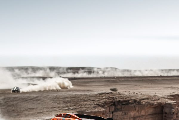 hilux dakar rally mobile wallpapers hd