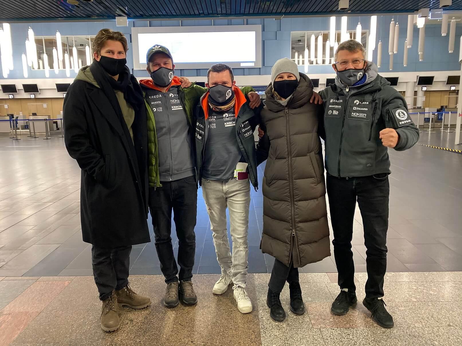 Į Dakarą išlydėtas Antanas Juknevičius su komanda